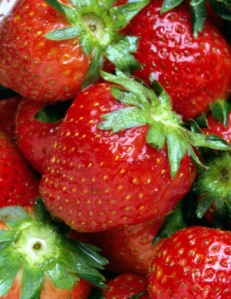 Organic strawberries are better - it's official